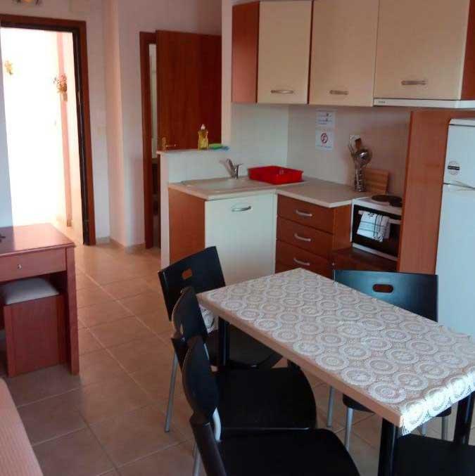 Helenas-Apartments-suite-kitchen