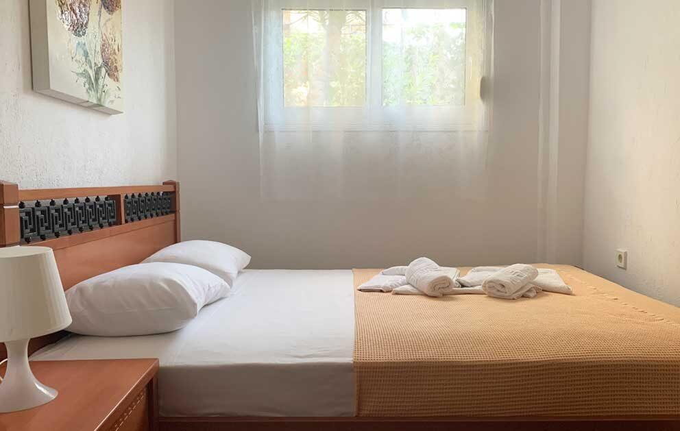 Studio-6-Bedroom