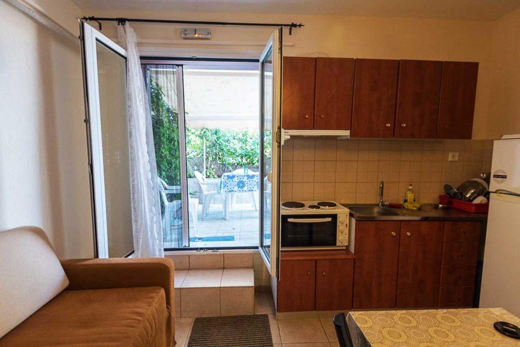 Helena's Apartments - Studio living-room