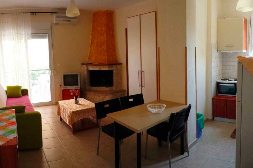 helenas apartments-suite-living room