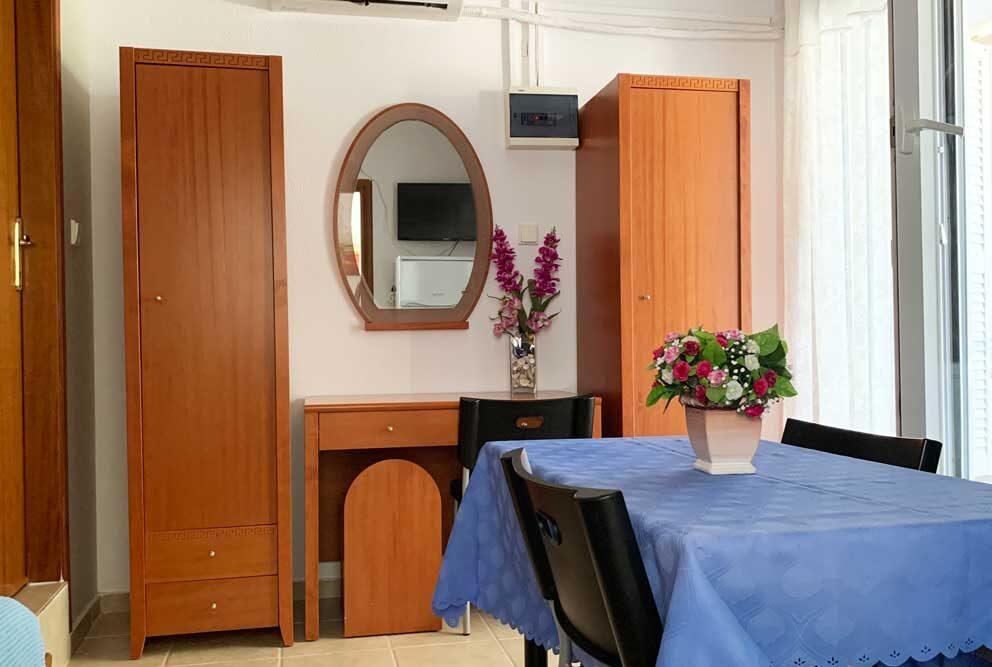 Studio-5-Living-room-3
