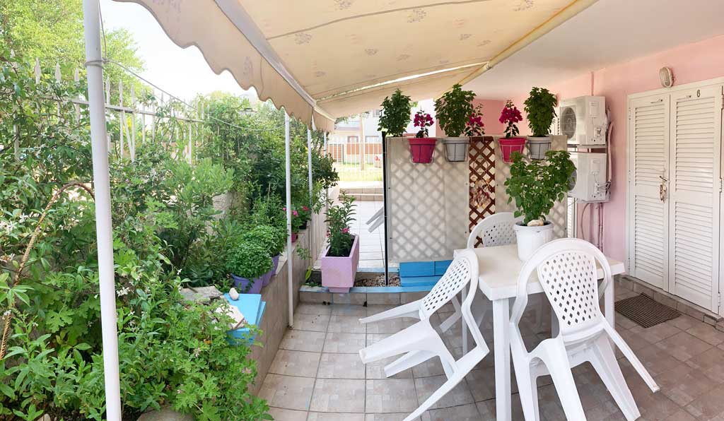 Studio-6-terrace