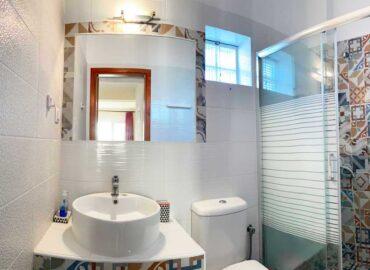 Suite-1-Bathroom.
