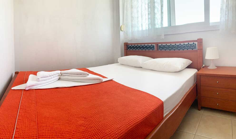 Suite-2-bedroom-2